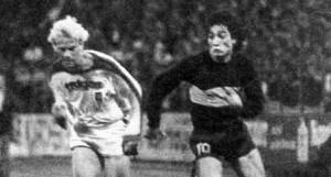 CAMPEÓN DEL MUNDO. Acaso la noche de Karlsruhe del 1° de agosto de 1978 haya sido la mejor de la vida del Loco Salinas. Ganó la Copa Intercontinental con Boca al derrotar al Borussia Moenchengladbach 3-0. La actuación de Salinas fue memorable.