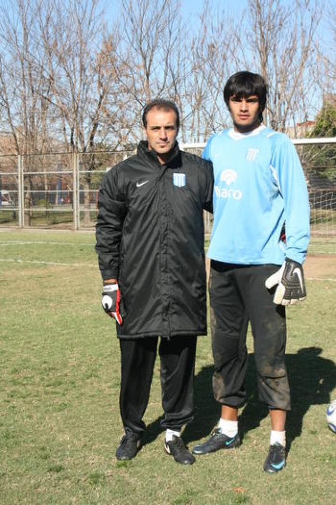 OTRO MAESTRO. Gustavo Piñero, hoy, es el entrenador de arqueros de la Selección Argentina. Pero también fue quien entrenó a Chiquito en las inferiores de Racing. Piñero (jugó en Gimnasia) es uno de los mejores en esta especialidad.