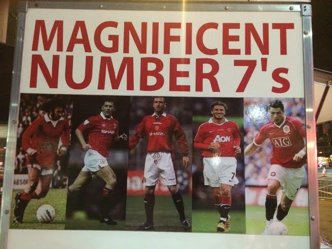 LOS (NÚMEROS) 7 MAGNÍFICOS. Best, Cantoná, Beckham y Cristiano. Es el número más significativo de todos en el United. Hoy lo lleva Di María. Antes, Antonio Valencia lo devolvió y se puso el 25. No es fácil. Esos que recuerdan en la pared del puesto de comida fueron demasiado grandes.