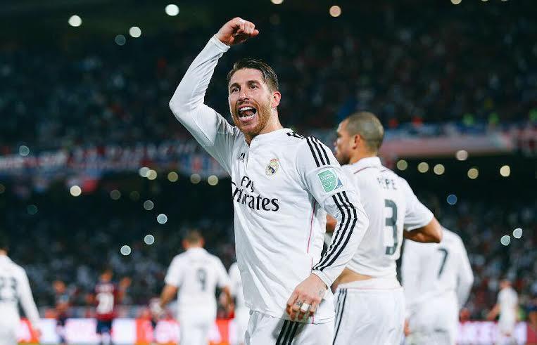 GRITO BLANCO. Sergio Ramos acaba de convertir el primer gol del Real Madrid. Allí cayó el plan de San Lorenzo y el cuadro de Ancelotti se movió con cierta comodidad.