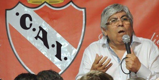 EL PRESIDENTE. La imagen no lo ayuda, la omnipresencia de la barrabrava del club tampoco. Hugo Moyano está haciendo una conducción cuidadosa de algunas formas y es el principal sostén de Almirón.