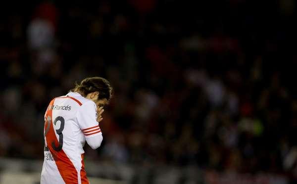 NO ESTARÁ. Ponzio fue amonestado sobre el final del partido y sumó tres amarillas. No estará en Asunción y por eso reacciona así. Es una baja sensible porque River no tiene muchos suplentes de este nivel y porque Leo está en un nivel fantástico.